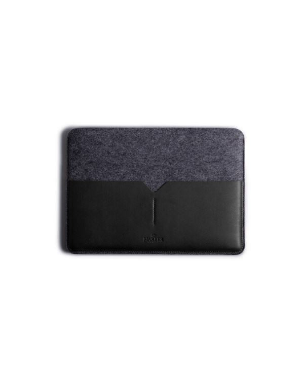 HARBER LONDON · CLASSIC LEATHER MACBOOK SLEEVE · BLACK