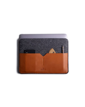 HARBER LONDON · CLASSIC LEATHER MACBOOK SLEEVE · TAN