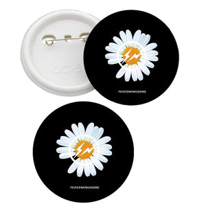 BIGBANG G-Dragon Daisy PEACEMINUSONE Badge