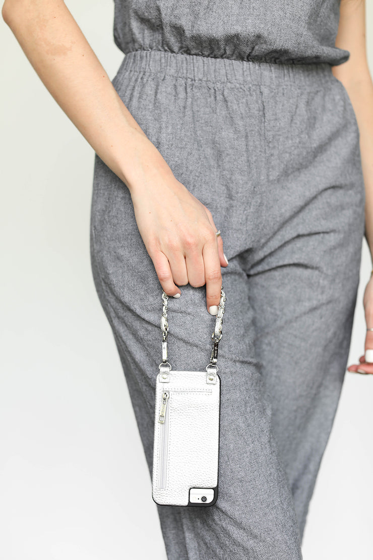 Casi | Wristlet | Metal chain strap | silver vegan leather | Hera cases