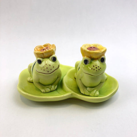 Vintage Ceramic Frogs Salt & Pepper Shakers on Lily Pad Dish