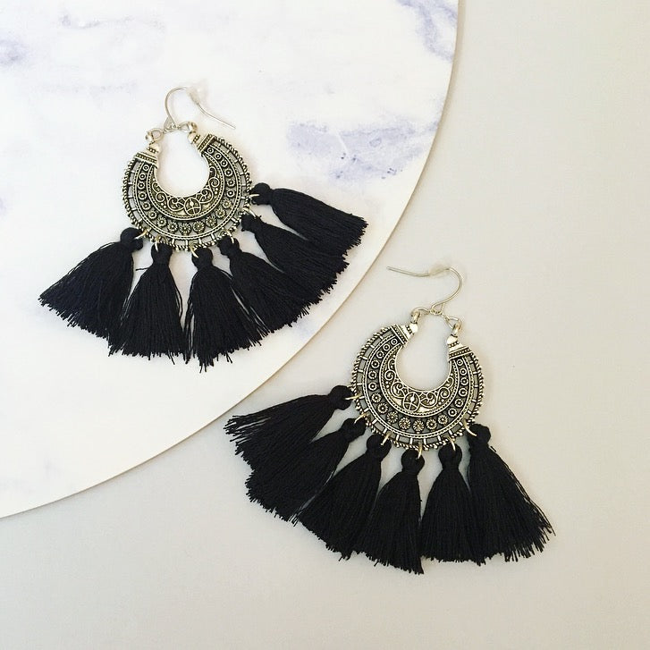 Angel Tassel Earring - Black