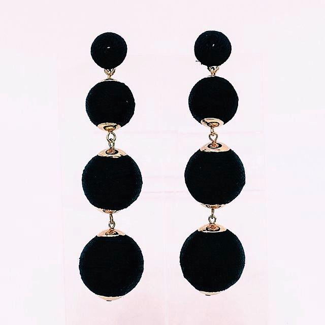 Chiara earring in black silky thread ball style