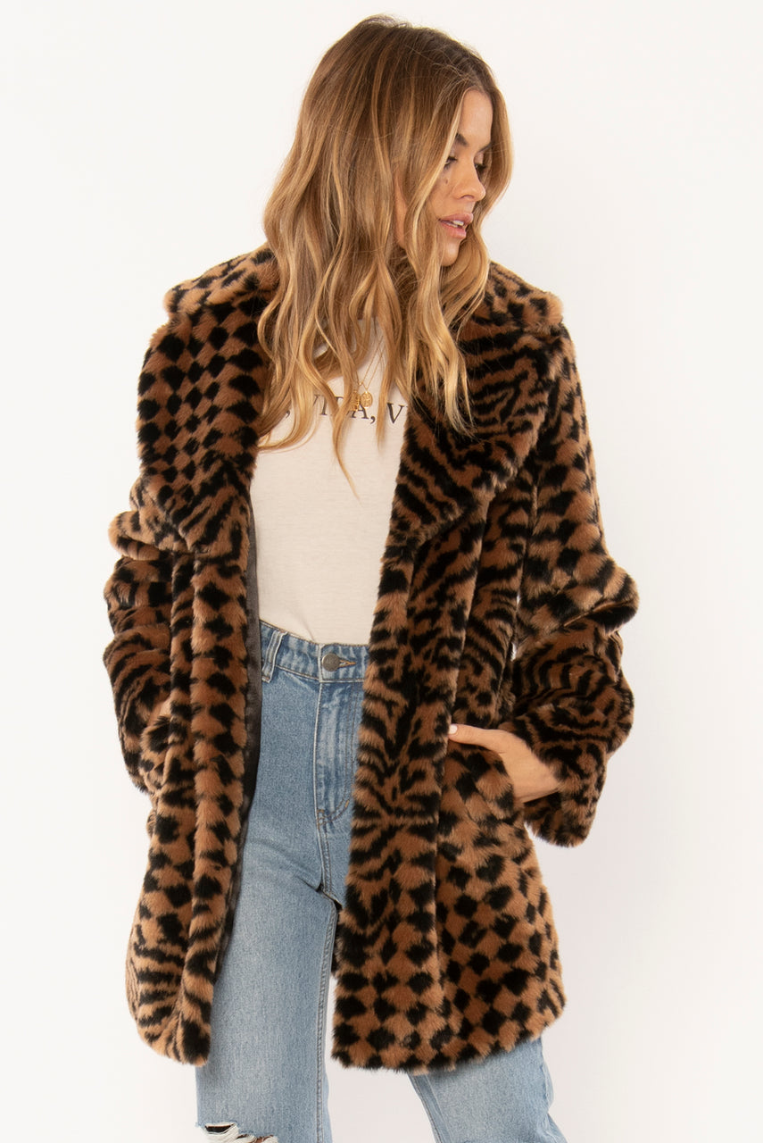 Amuse Society Vera Woven Faux Fur Coat - Black
