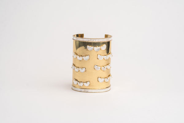 Flounder bangle with mother of pearl inlay
