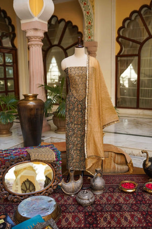 The Ayodhya Suit Set