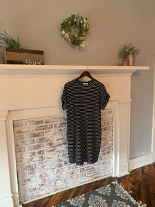 Black and White Stripe Short Sleeve Dress