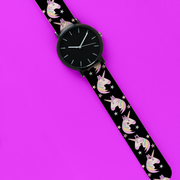 A 40mm Unisex Wristwatch with a Magical Unicorn Pattern