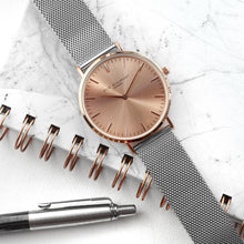 Load image into Gallery viewer, Rose Gold Dial Metallic Mesh Strapped Watch