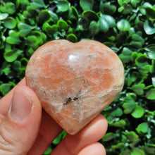 Load image into Gallery viewer, Sunstone Hearts ~ 50mm