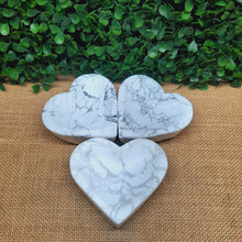 Load image into Gallery viewer, Howlite Bowls - Hearts