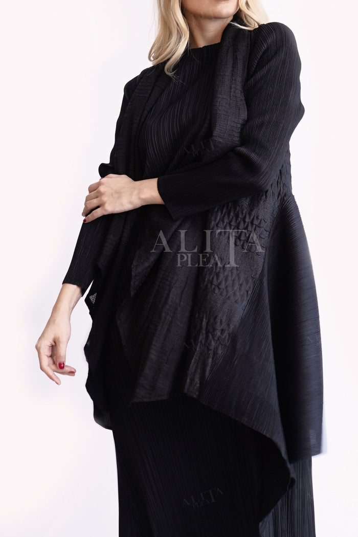 J042 long back jacket with patterned pleats - Alita Pleat