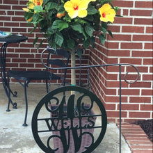 "Load image into Gallery viewer, Family Name & Monogram Initial Circle Sign - Yard/Garden Flag  - 12"" or 14"""