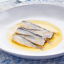Los Peperetes Small Sardines in Olive Oil