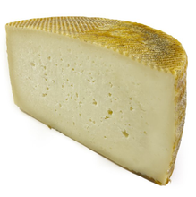 Señora de Fuentes Manchego Cheese DOP 3 months aged 3 Kg approx.