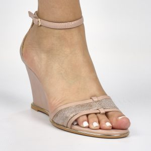 Blair Wedge - Butterfly Feet - Pink