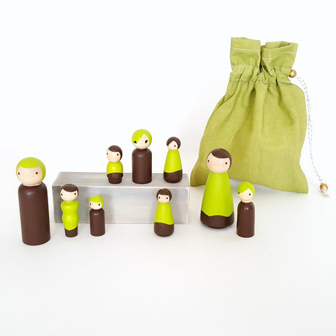 Peg doll family set To Go with color matching carring / storage bag - brown and kiwi green - pretend play  - wood dolls - ready to ship