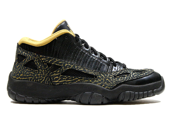 "Air Jordan 11 Retro Low ""Black/Metallic Gold"" Wmns"