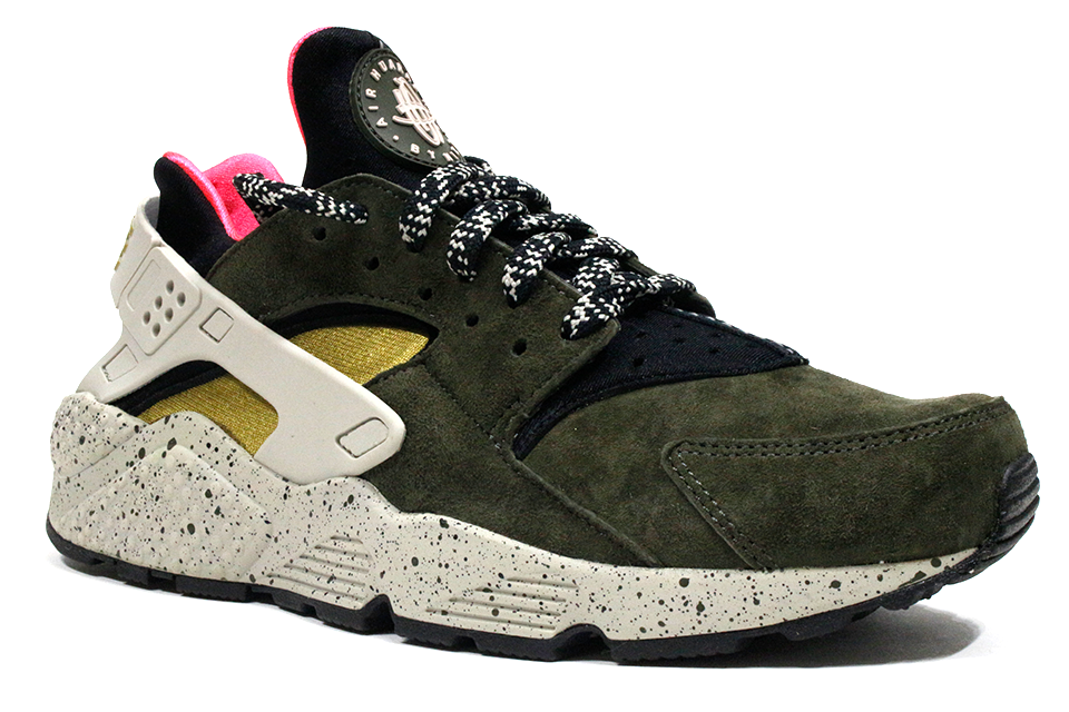 "Nike Air Huarache Run PRM ""Black/Desert Moss-Solar Red"""
