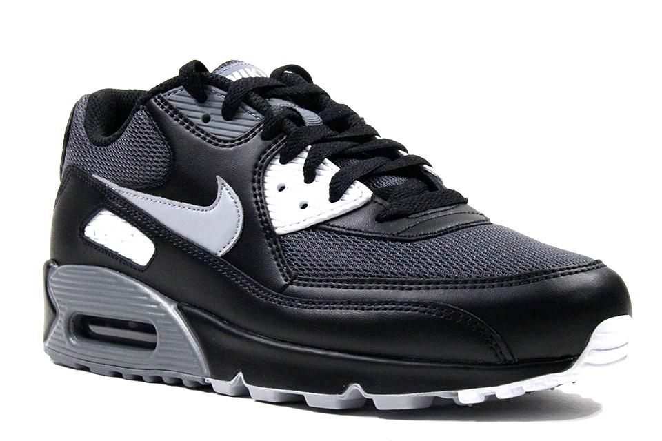size 40 9698c 87f98 Nike Air Max 90 Essential