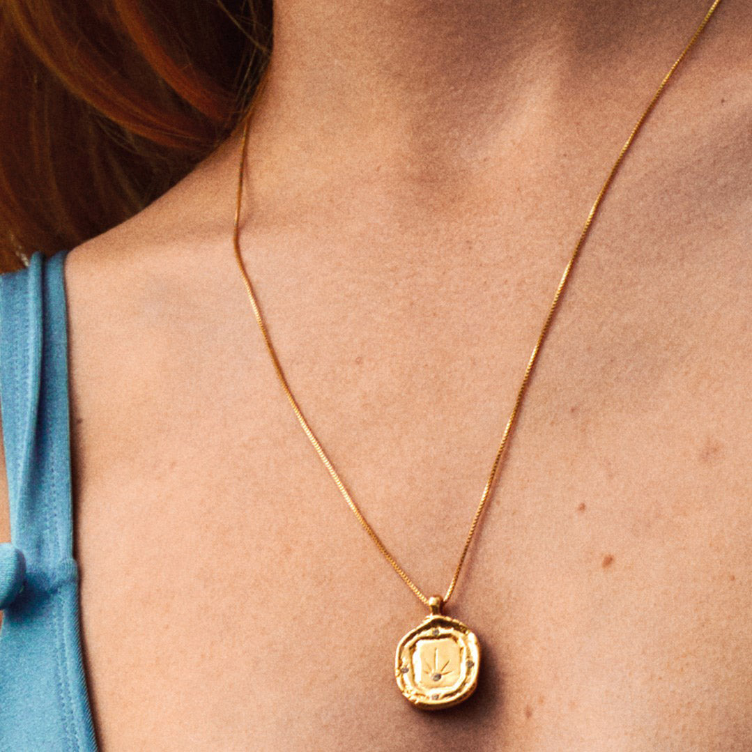 Necklace : Feelings of L.A. : Gold Plated : Crystal