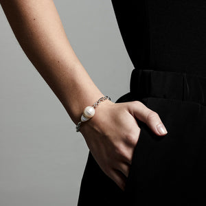 Bracelet : Gracefulness : Silver Plated : White