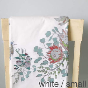 Tablecloths White / Small Tablecloth
