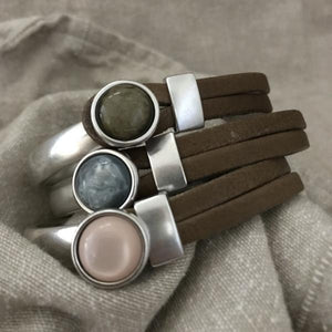 """GWEN"" HALF LEATHER BRACELET - TAUPE LEATHER - Uniek Living"