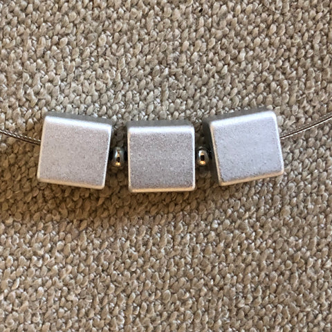 Necklace metal 3 cubes - silver - Uniek Living