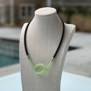 NECKLACE SMALL TUBE KNOT