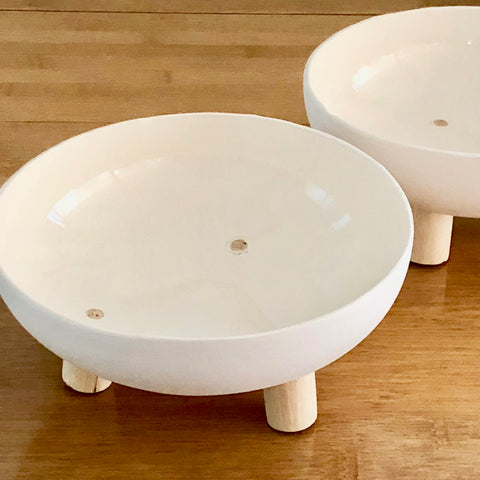 BOWL - HANDMADE WITH WOODEN LEGS - 17CM