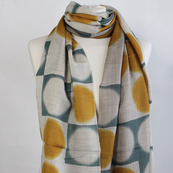 The Double Dot 100% Cashmere Scarf in curry green by Sjaelz & More.