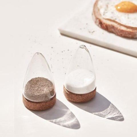 BOEIEN SALT + PEPPER SHAKER - SET OF 2 - Uniek Living