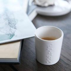 WHITE GLAZED CERMATIC CUPS - Uniek Living