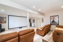 3178 Eclipse Ave' Mississauga' Ontario L5M7X1 <br>MLS® Number: W4450444<br>For Sale: $934'900<br>Bedrooms: 3