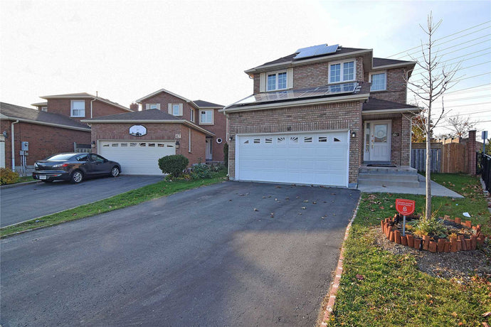 65 Creditstone Rd N&sbquo; Brampton&sbquo; Ontario L6Y4E9 <br>MLS® Number: W4455907<br>For Sale: $775&sbquo;000<br>Bedrooms: 4