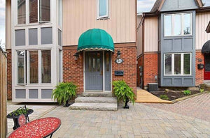 34 Fairground Lane' Vaughan' Ontario L4L3B7 <br>MLS® Number: N4455838<br>For Sale: $898'000<br>Bedrooms: 3