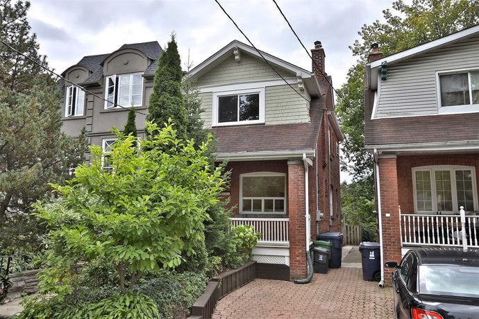 135 Castlefield Ave' Toronto' Ontario M4R1G6 <br>MLS® Number: C4570608<br>For Sale: $1'350'000<br>Bedrooms: 3