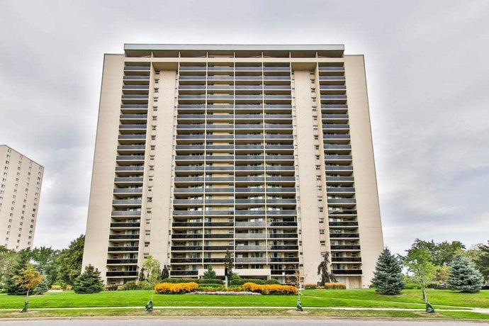 299 Mill Rd #1503' Toronto' Ontario M9C4V9 <br>MLS® Number: W4570004<br>For Sale: $565'000<br>Bedrooms: 3