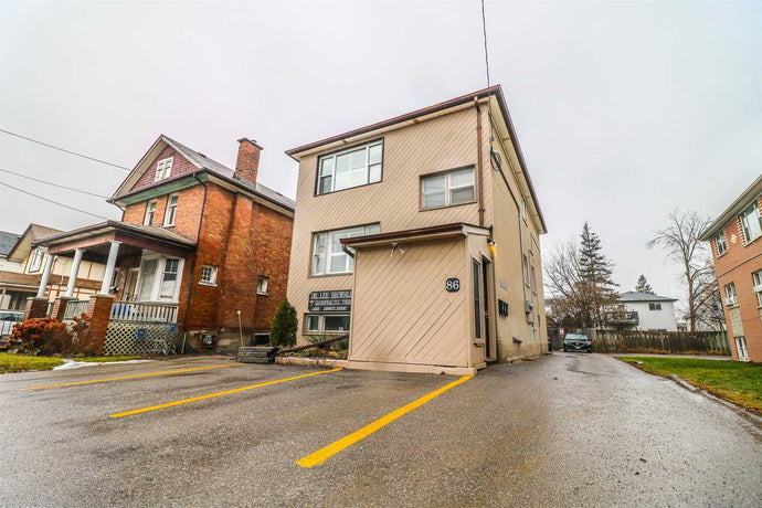 86 Park Rd S' Oshawa' Ontario L1J4G9 <br>MLS® Number: E4490355<br>For Sale: $679'000<br>Bedrooms: 6