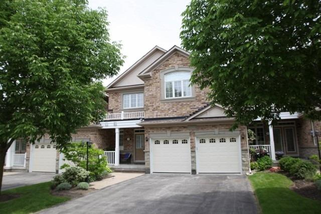 323 Crossing Bridge Pl' Aurora' Ontario L4G7Z7 <br>MLS® Number: N4547697<br>For Sale: $1'079'999<br>Bedrooms: 2