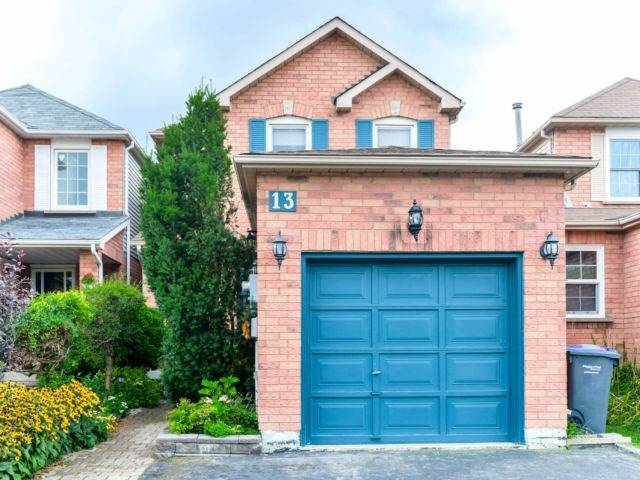 13 Solway Ave' Brampton' Ontario L6Z4E3 <br>MLS® Number: W4570120<br>For Sale: $625'000<br>Bedrooms: 3