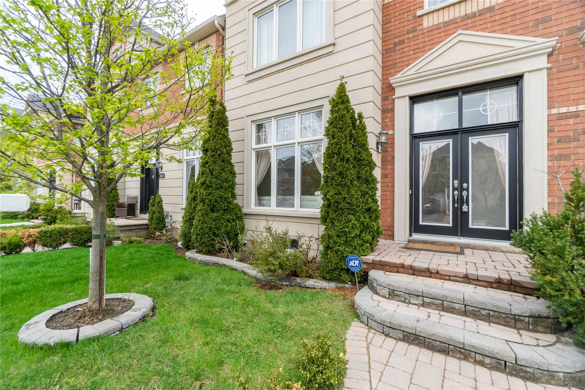 3178 Eclipse Ave&sbquo; Mississauga&sbquo; Ontario L5M7X1 <br>MLS® Number: W4450444<br>For Sale: $934&sbquo;900<br>Bedrooms: 3