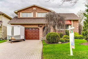 763 Griffith St' Oshawa' Ontario L1J7N4 <br>MLS® Number: E4448275<br>For Sale: $609'900<br>Bedrooms: 3