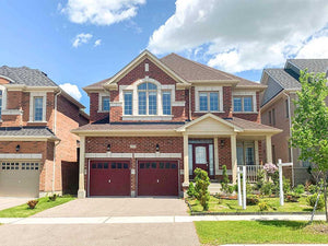 215 William Graham Dr&sbquo; Aurora&sbquo; Ontario L4G0W4 <br>MLS® Number: N4548984<br>For Sale: $1&sbquo;080&sbquo;000<br>Bedrooms: 4