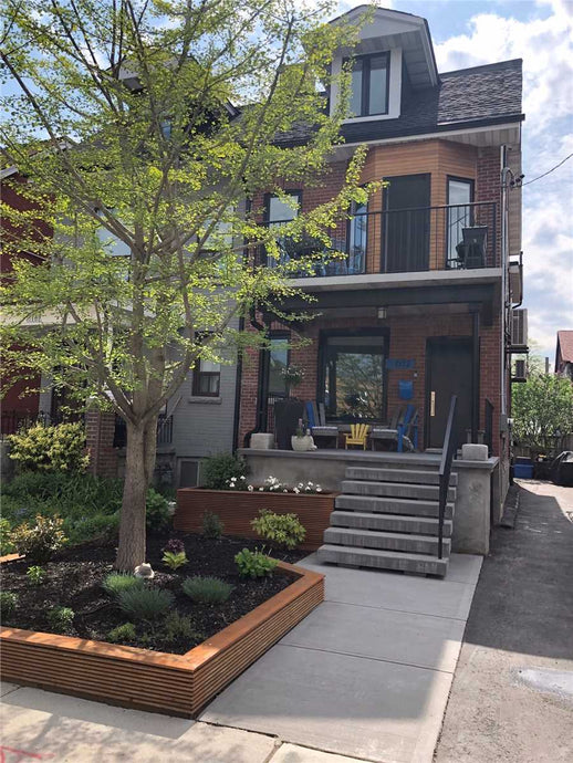 612 Manning Ave' Toronto' Ontario M6G 2V9 <br>MLS® Number: C4464483<br>For Sale: $1'599'000<br>Bedrooms: 3