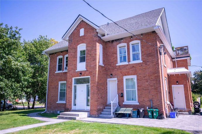 15 Ontario St' Clarington' Ontario L1C2S2 <br>MLS® Number: E4550117<br>For Sale: $1'349'000<br>Bedrooms: 9
