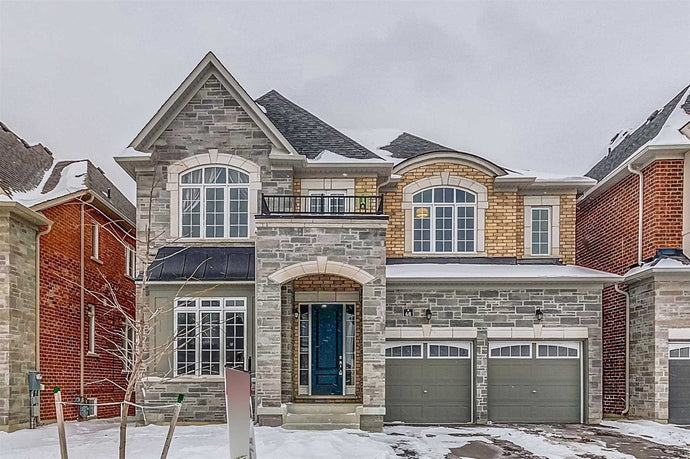 68 Joseph Hartman Cres' Aurora' Ontario L4G1C9 <br>MLS® Number: N4546523<br>For Sale: $990'000<br>Bedrooms: 4