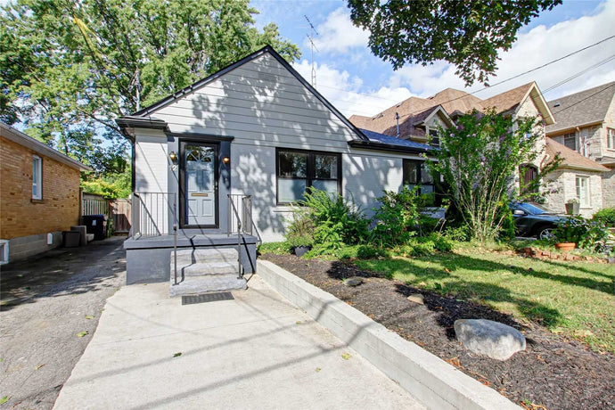 12 Westrose Ave' Toronto' Ontario M8X2A1 <br>MLS® Number: W4570064<br>For Sale: $998'000<br>Bedrooms: 2