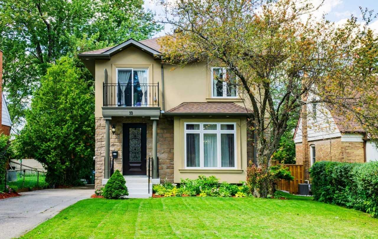 10 Twin Pauls Cres' Toronto' Ontario M1R3Z5 <br>MLS® Number: E4569992<br>For Sale: $1'348'800<br>Bedrooms: 3